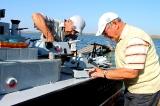 Спуск макета линкора на озере Бутубай