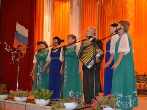 В посёлке Путь Октября прошёл фестиваль творчества пожилых людей