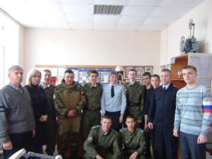 Сотрудники полиции Кизильского района в рамках Всероссийской акции «Студенческий десант» провели экскурсию для учащихся