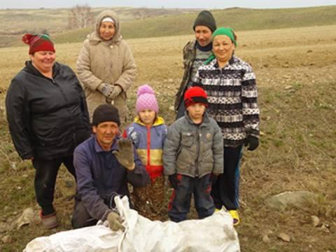В поселке Мусин Кизильского района возродили традицию субботников