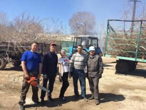 В селе Богдановском Кизильского района прошел очень веселый субботник