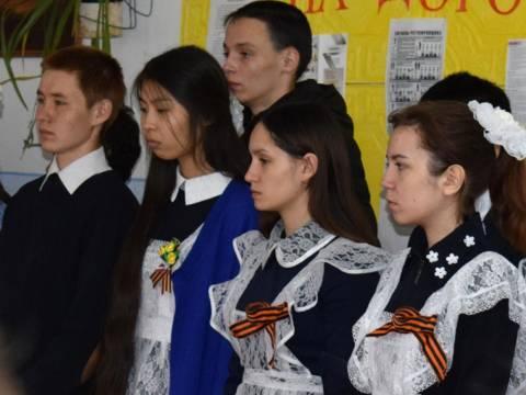 В школе Гранитного поселения Кизильского района прошел торжественный митинг, посвященный Дню Победы