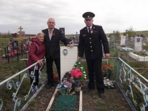 Сотрудники и ветераны ОМВД России по Кизильскому району почтили память участников Великой Отечественной войны