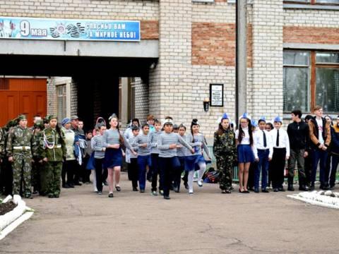 15 мая в школе Гранитного поселения Кизильского района прошёл смотр песни и строя