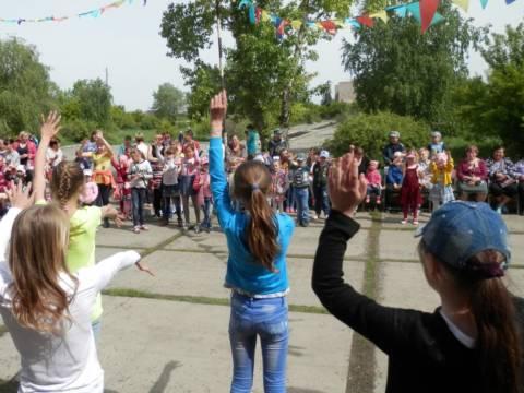 1 июня в международный День защиты детей на территории Сыртинского дома культуры прошел праздник