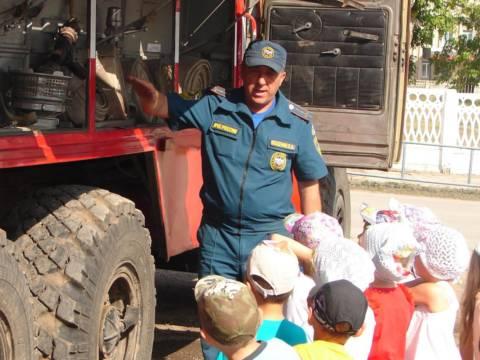 Пожарно-спасательная часть по Кизильскому району провела выставку и экскурсию
