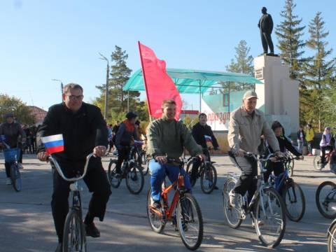 Небольшой фотоотчет с велопробега, посвященному 100-летию октябрьской револии