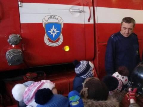 Проведена экскурсия с воспитанниками детского сада «Малышок» в 63 пожарно-спасательной части
