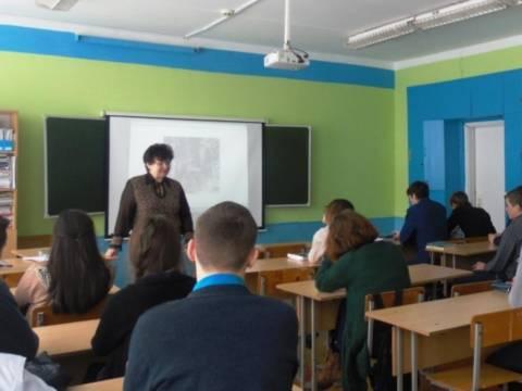 Учащиеся 11 класса Кизильской школы №1 посетили час истории «От Сталинграда – к Великой Победе»