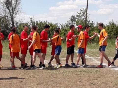 Любители футбола организовали в посёлке Зингейский турнир